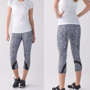 Lululemon Run: Inspire Crop II Full Luon Luxteme
